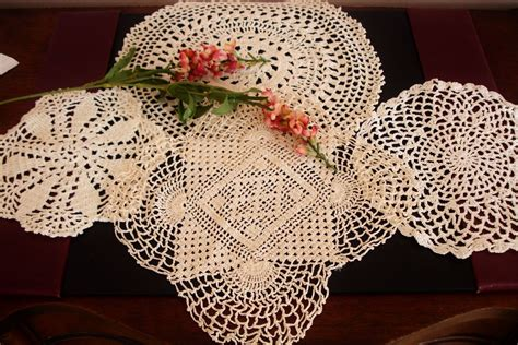 Lot of 12 Doilies Crochet and Lace 5 up to 12 Most 9